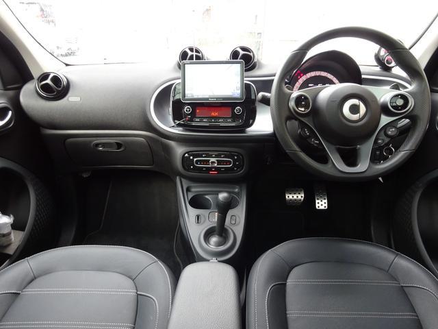 ターボ smart forfour turbo ディーラーオプションナビゲーション 本革シート 認定中古車(15枚目)