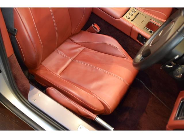 「アストンマーティン」「アストンマーティン V8ヴァンテージ」「クーペ」「東京都」の中古車17