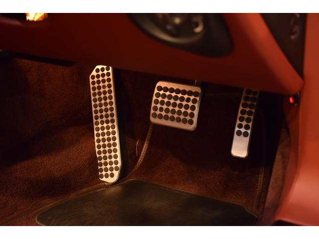 「アストンマーティン」「アストンマーティン V8ヴァンテージ」「クーペ」「東京都」の中古車28