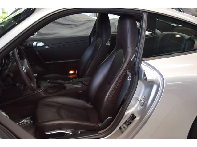 ポルシェ ポルシェ 911カレラ・マニュアル車・オールレザーインテリア