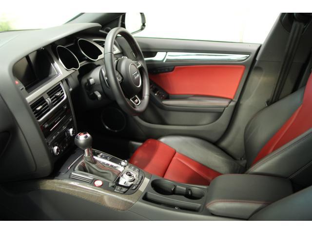アウディ アウディ S5スポーツバック 黒赤コンビレザーシート 19AWブラック B&Oスピーカー