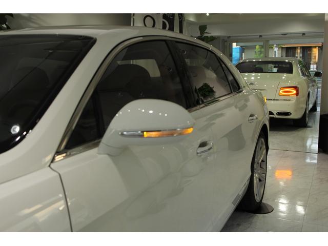 「ベントレー」「ベントレー フライングスパー」「セダン」「東京都」の中古車29