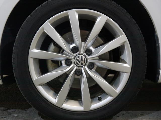 フォルクスワーゲン VW ゴルフ TSIハイライン レザーP新車保証1オナ 茶革ディスカバナビ