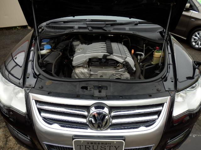 フォルクスワーゲン VW トゥアレグ V6 後期型 黒本革 地デジナビ スマートキー 6ヶ月保証有