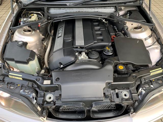 320iスポーティダイヤモンド 限定車 黒レザー HID(17枚目)