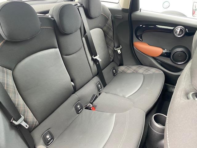 クーパーSD セブン 限定車・パノラマルーフ・純正ナビ・バックカメラ・LED・ETC・前後ドラレコ・シートヒーター(25枚目)