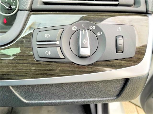 528i Mスポーツパッケージ ブラックレザー・シートヒーター・サンルーフ・純正オプション19AW・iDriveナビ・TV・Bカメラ・HID・ETC・PDC(15枚目)
