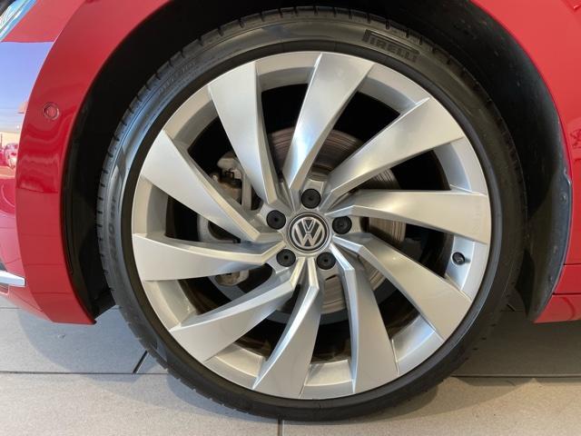 純正ホイール&タイヤ【モデルグレードにマッチしたデザインのホイールです。ホイールやホイールカバーには経年によるキズ等ある場合がございます。タイヤは車検合格基準にて現状お渡しとなります】