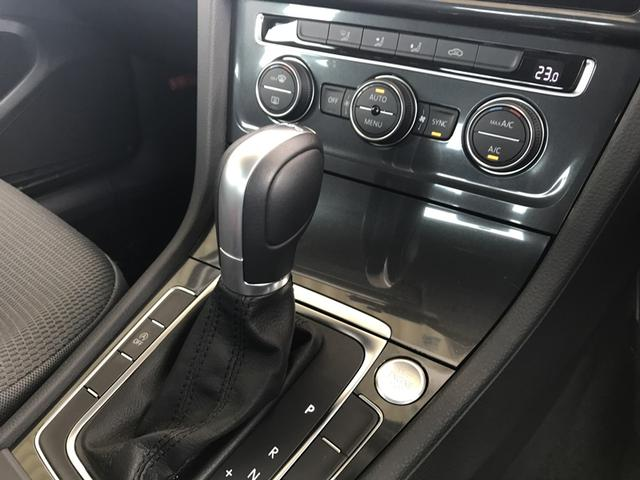 ☆スマートエントリー&スタートシステム機械的な鍵を使用せずに車両のドアトランクの施錠開錠、エンジンの始動が可能な自動車の機能です。