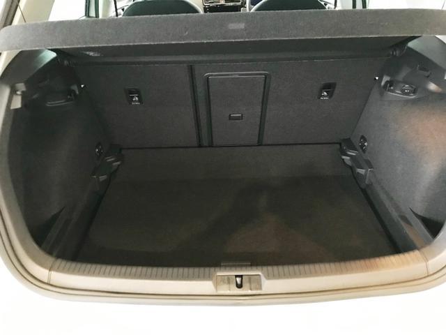 コンパクトボディながら、充分な容量を確保!リヤシートを倒せば、使いやすい広く平らなスペースができます☆