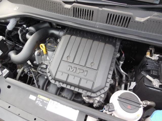 1.0L MPIエンジン。アルミ合金を使用した3気筒エンジン。エンジン構造の最適化により小型化と軽量化に成功。クラストップレベルのパワーがもたらす快適な走りを提供します。