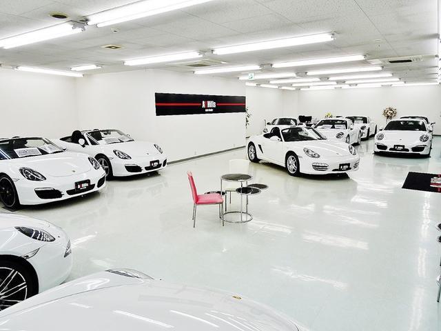 ☆A1 Hillsは千葉県最大級の全天候型屋内ショールームを備えておりハイクラスなお車をご検討中のお客様にご満足頂けるよう、ショールーム内はオシャレなカフェのような雰囲気でゆったりとお車をご覧頂けます