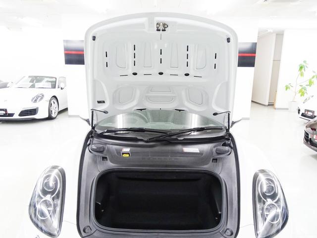 ベースグレード 右ハンドル PDK 2オーナー車 パドルシフト 電動格納ミラー シートヒーター バックカメラ ナビ テレビ CD ETC ブルートゥース HIDライト 18インチホイール ポルシェ純正電動リヤウイング(11枚目)
