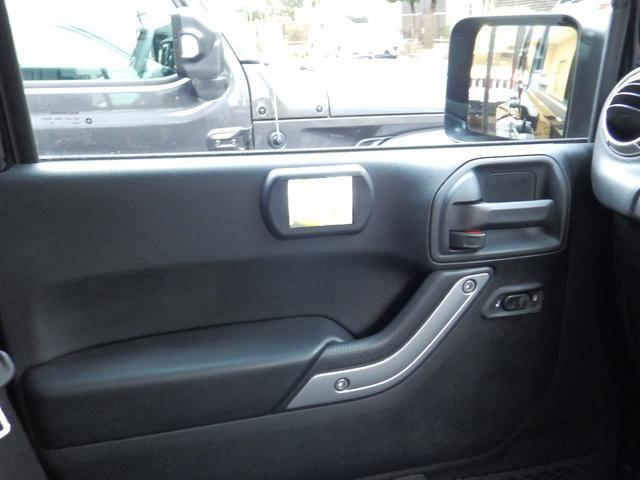 「その他」「クライスラージープ ラングラーアンリミテッド」「SUV・クロカン」「東京都」の中古車14