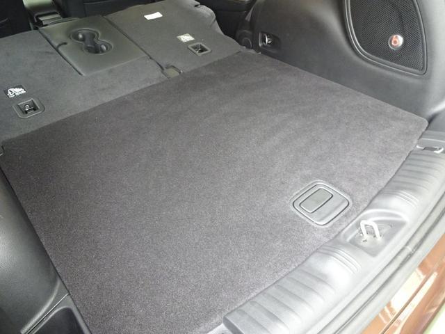 2017年フルモデルチェンジを行ったNewコンパスのリミテッドが入庫いたしました。唯一の4×4グレードであるリミテッド!安全装備も充実の1台です。