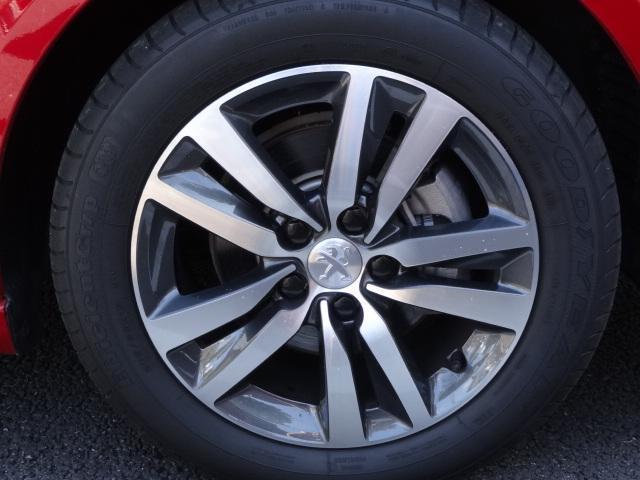 アリュール シーケンシャルインジケーター エレクトリックパーキングブレーキ アクティブセーフティブレーキ ドライバーアテンションアラート スピードリミットインフォメーション 新車保証継承(17枚目)