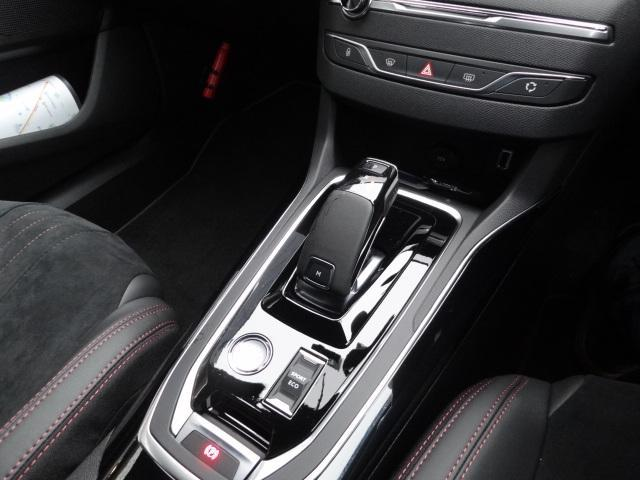 SW GT ブルーHDi アクティブクルーズコントロール アクティブブラインドスポットモニターシステム パークアシスト レッドステッチ・テップレザー/アルカンタラスポーツシート・革巻小径スポーツステアリング 新車保証継承(9枚目)