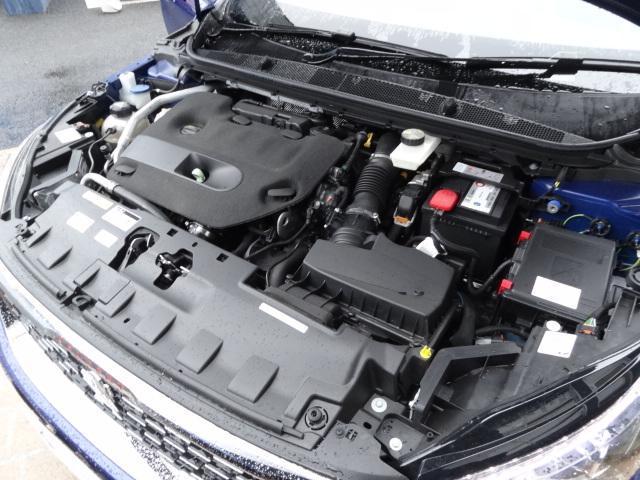 SW GT ブルーHDi アクティブクルーズコントロール アクティブブラインドスポットモニターシステム パークアシスト レッドステッチ・テップレザー/アルカンタラスポーツシート・革巻小径スポーツステアリング 新車保証継承(16枚目)