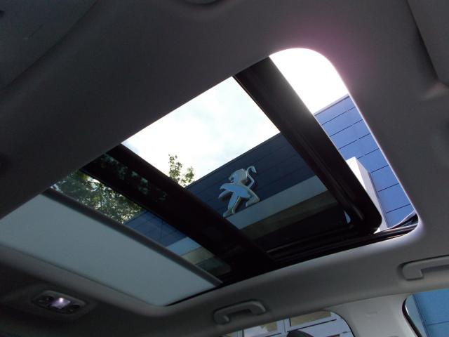 クロスシティ ブルーHDi 純正ナビ・ETC・ドライブレコーダー装着 グリーンステッチ入りインテリア アルカンタラ/テップレザーシート パノラミックサンルーフ ハンズフリー電動テールゲート 新車保証継承(12枚目)