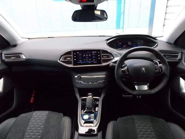 ロードトリップ 純正ナビ・ETC・ドライブレコーダー装着 専用アルカンタラ/テップレザーシート アクティブセーフティブレーキ アクティブクルーズコントロール レーンキープアシスト 新車保証継承(3枚目)