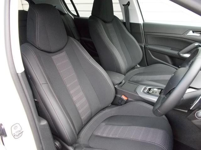 アリュール ブルーHDi 純正ナビ・ETC・ドライブレコーダー装着 アクティブセーフティブレーキ アクティブクルーズコントロール ドライバーアテンションアラート スピードリミットインフォメーション 新車保証継承(5枚目)