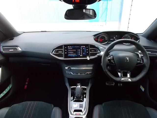 SW GT ブルーHDi 純正ナビ・ETC・ドライブレコーダー装着 アクティブクルーズコントロール パークアシスト レッドステッチ・テップレザー/アルカンタラスポーツシート・インテリア・ステアリング 新車保証継承(3枚目)