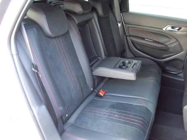 SW GT ブルーHDi 純正ナビ・ETC・ドライブレコーダー装着 アクティブクルーズコントロール パークアシスト レッドステッチ・テップレザー/アルカンタラスポーツシート・インテリア・ステアリング 新車保証継承(6枚目)