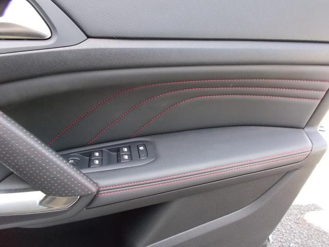 SW GT ブルーHDi 純正ナビ・ETC・ドライブレコーダー装着 アクティブクルーズコントロール パークアシスト レッドステッチ・テップレザー/アルカンタラスポーツシート・インテリア・ステアリング 新車保証継承(34枚目)