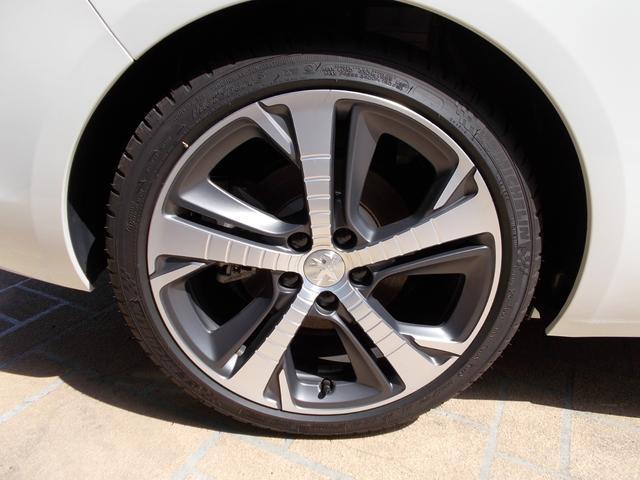 SW GT ブルーHDi 純正ナビ・ETC・ドライブレコーダー装着 アクティブクルーズコントロール パークアシスト レッドステッチ・テップレザー/アルカンタラスポーツシート・インテリア・ステアリング 新車保証継承(38枚目)