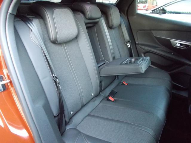 GTライン ファーストクラスパッケージ 運転席メモリー付電動シート&マルチポイントランバーサポート/フロントシートヒーター/360°ビジョン/パークアシスト/パノラミックサンルーフ 新車保証継承(6枚目)
