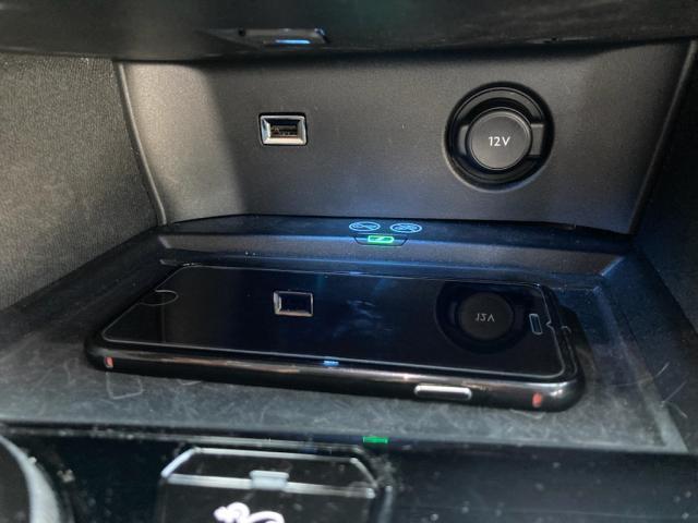 GTライン ブルーHDi パノラミックサンルーフ エレクトリックパーキングブレーキ バックアイカメラ アクティブクルーズコントロール アドバンスドグリップコントロール ハンズフリー電動テールゲート 新車保証継承(8枚目)
