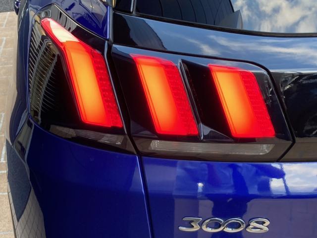 GTライン ブルーHDi パノラミックサンルーフ エレクトリックパーキングブレーキ バックアイカメラ アクティブクルーズコントロール アドバンスドグリップコントロール ハンズフリー電動テールゲート 新車保証継承(14枚目)