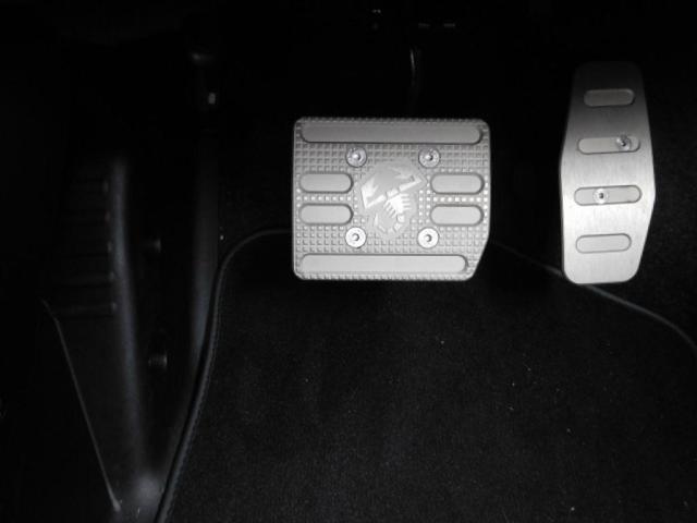 ベースグレード 新車保証継承 純正ストライプ 前後ドラレコ(11枚目)