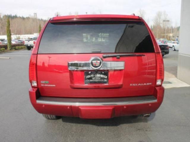 キャデラック キャデラック エスカレード プラチナムエディション 純正色 09後期型 5連LEDライト