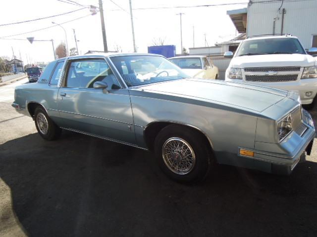 オールズモービル オールズモビル カトラスシュプリーム 国内新規 カリフォルニア車 最終角4灯フル純正オリジナル車