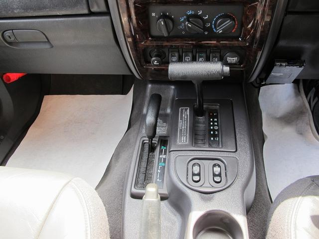 リミテッド 4WD天張り張替済み本革キーレスETCPWシート(15枚目)