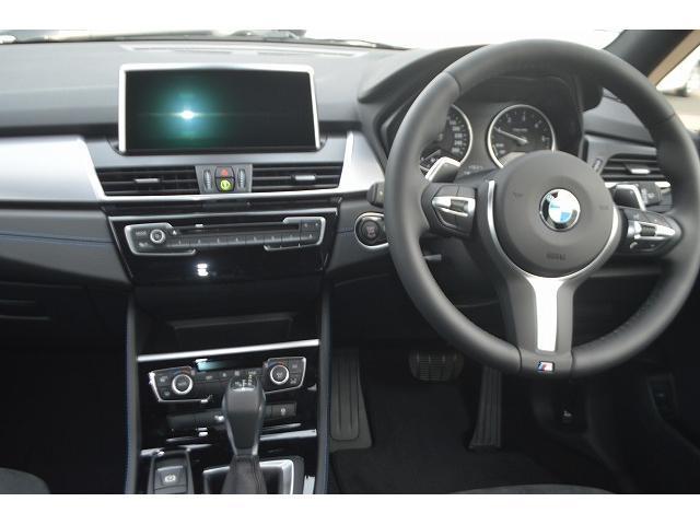 BMW BMW 218dアクティブツアラー パーキング・コンフォートPKG