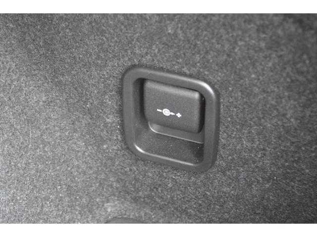 xDrive 20i Mスポーツ 正規認定中古車 コンフォートアクセス キセノン レインセンサー 自動ライト マルチファンクション ETC ドアバイザー AUX端子 禁煙車 タイヤ5部山 オートエアコン 18インチアロイ ランフラット(32枚目)