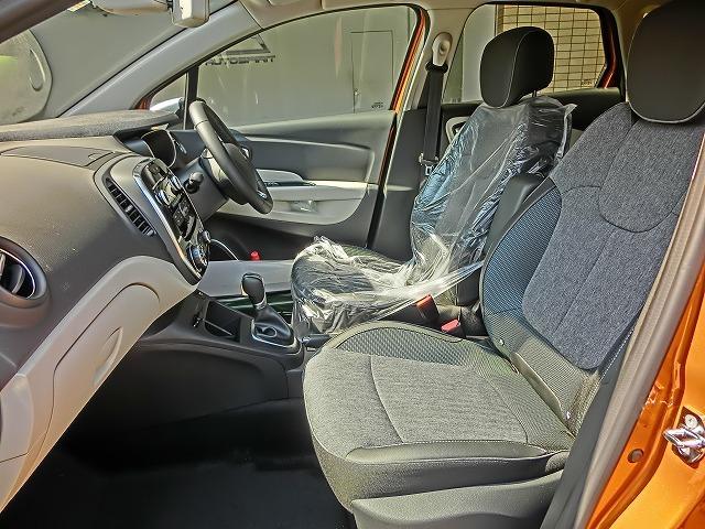 当店ではレンタカーも行っており常時約160台のレンタカーをご用意しております!軽自動車から輸入車まで幅広く取り揃えております!事故や点検時の台車はレンタカーで対応させていたいております!もちろん無料で