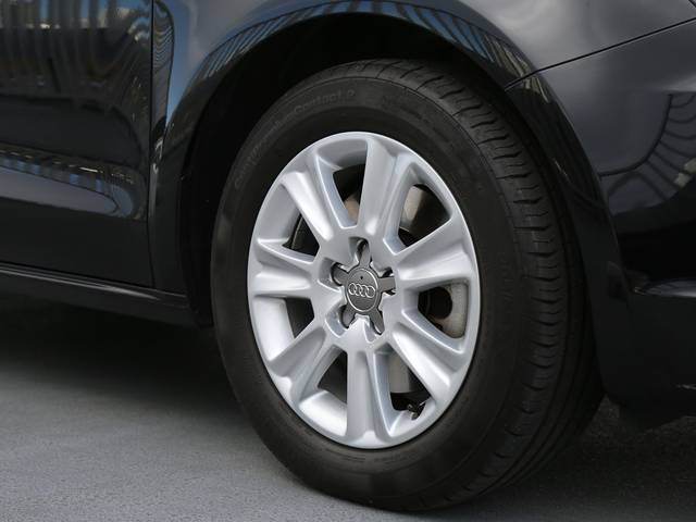 アウディ アウディ A1スポーツバック 1.4TFSI コントラストルーフ 認定中古車