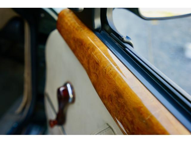 「MG」「MG RV8」「オープンカー」「東京都」の中古車17