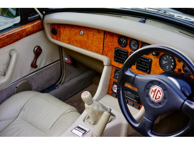 「MG」「MG RV8」「オープンカー」「東京都」の中古車39