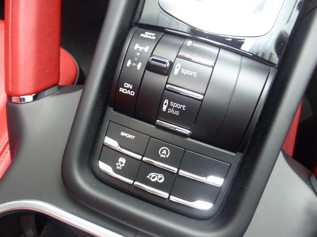 GTS ティプトロニックS 4WD MY17 カイエンGTS(18枚目)