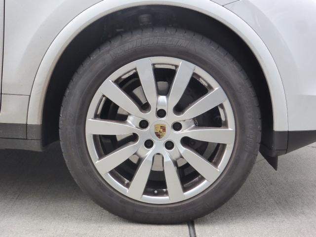 プラチナエディション ティプトロニックS 4WD ワンオーナ(20枚目)