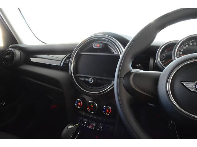 MINI MINI クーパーSD 認定中古車 登録済未使用車 ペッバーPKG