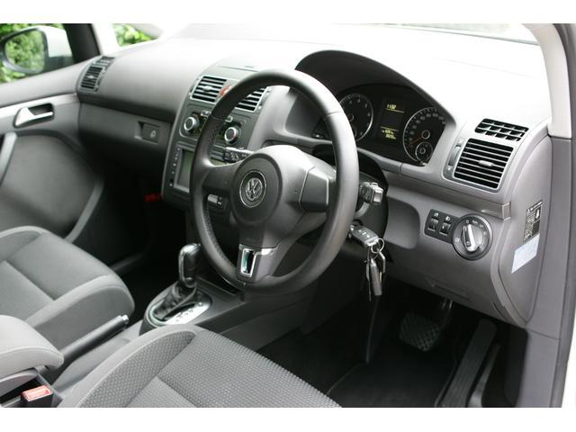 「フォルクスワーゲン」「VW ゴルフトゥーラン」「ミニバン・ワンボックス」「東京都」の中古車18