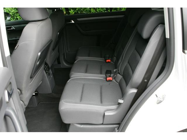 「フォルクスワーゲン」「VW ゴルフトゥーラン」「ミニバン・ワンボックス」「東京都」の中古車28