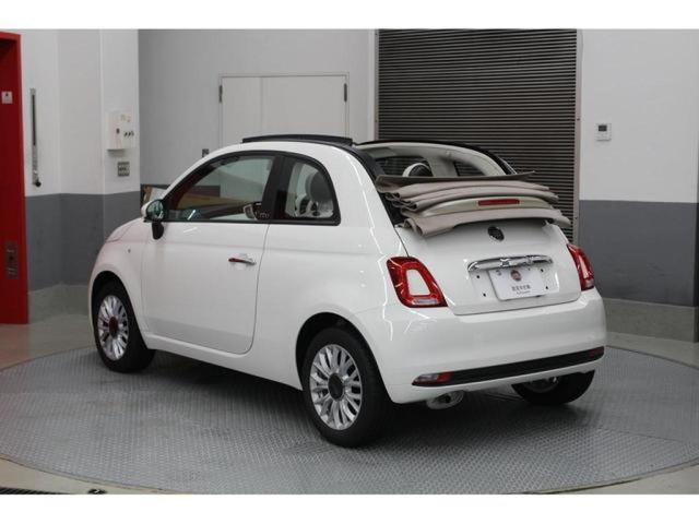 定番人気のホワイトの500Cの元試乗車が入庫しました!!全国納車可能です。先ずはお電話0066-9707-184706又はメールでのお問い合わせをお待ちしております。