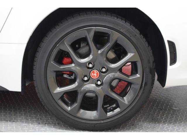 信頼性のあるブレンボ製4ポッドフロントキャリパー。ホイールは 205/45/17インチ!全国納車可能です。まずは0066-9707-184706までお問い合わせください。