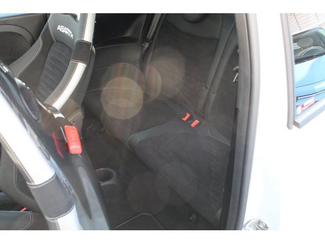 コンペティツィオーネ 認定中古車 右ハンドル 5速マニュアル レコードモンツァマフラー ブラックSabeltシート キセノンヘッドライト 純正17インチAW 2DINナビ ETC付(14枚目)